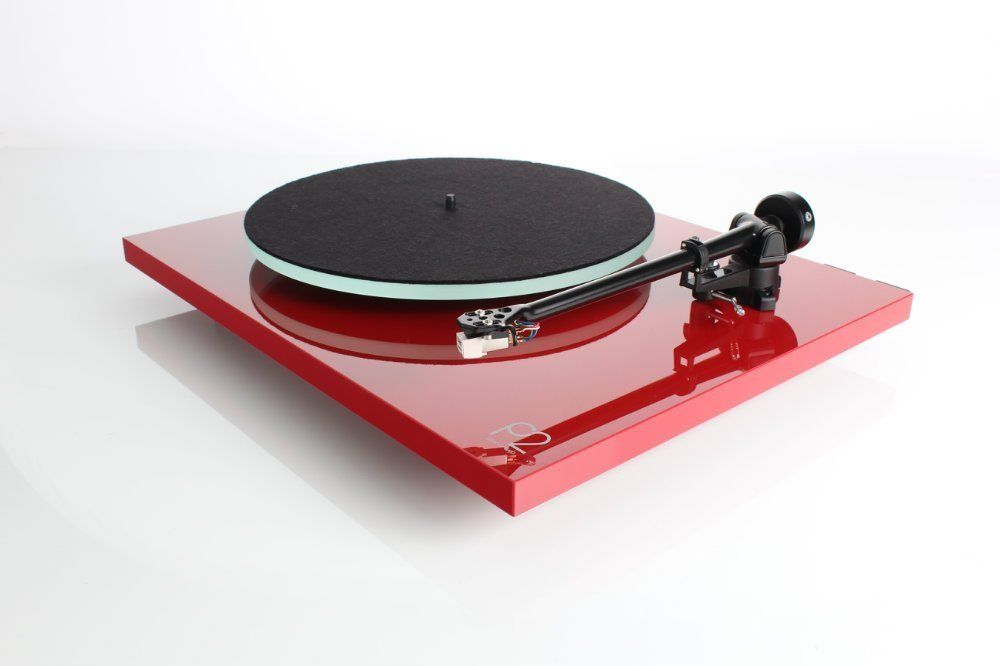 Rega Planar 2 Turntable with RB220 Tonearm and Carbon Cartridge in Red