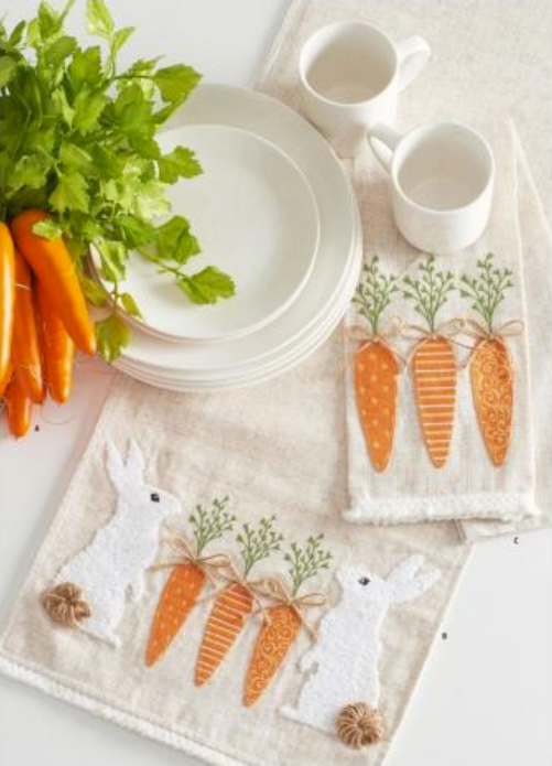 Applique Carrot Hand Towel