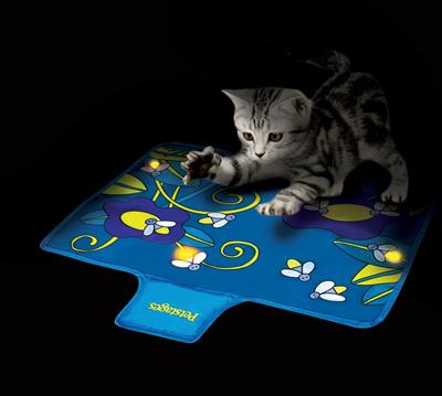 Petstages™ Flashing Firefly Mat
