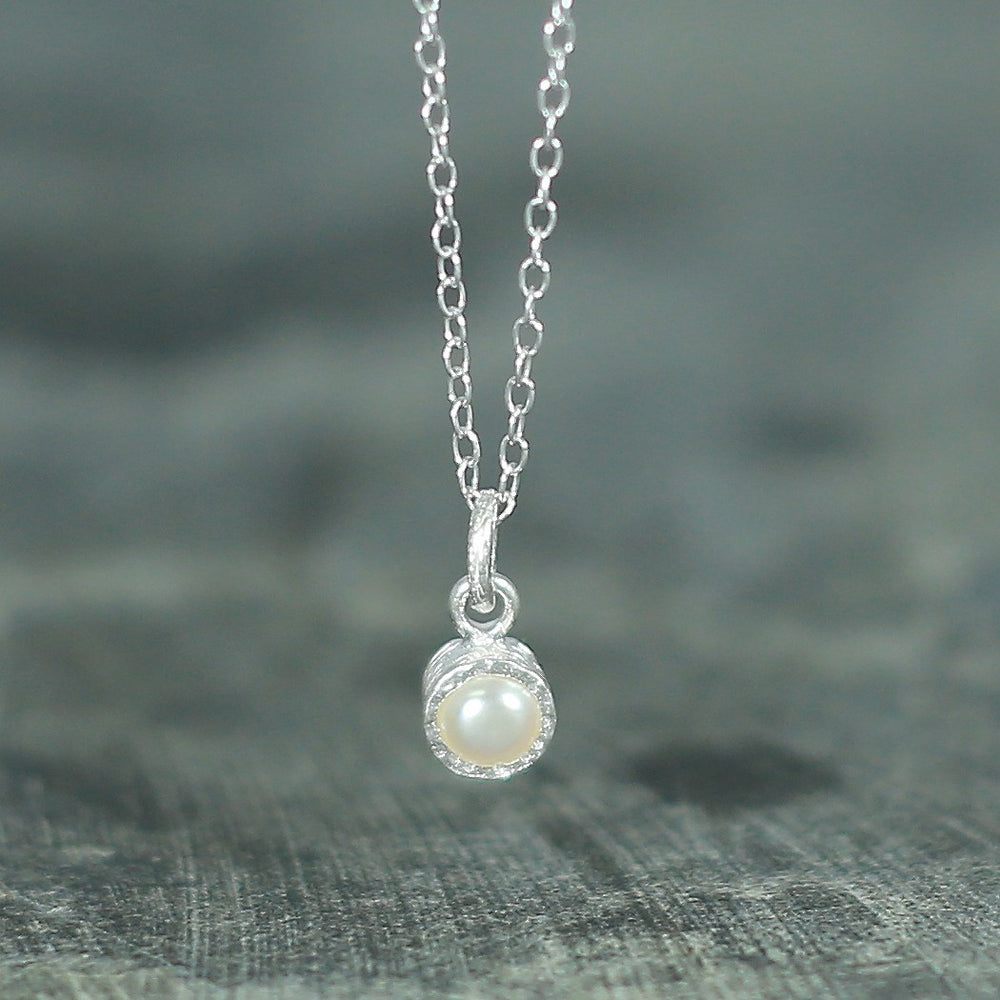 Textured White Silver Pearl Necklace