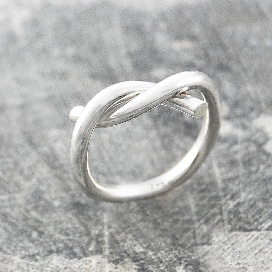 Twist Silver Infinity Ring