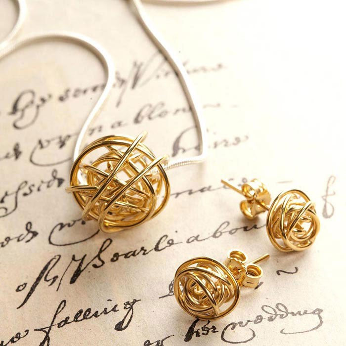 Nest Gold Stud Earrings
