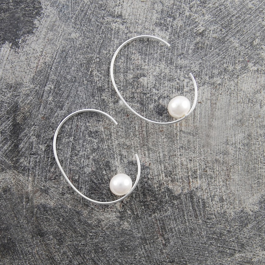 Silver Oval Pearl Hoop Earrings