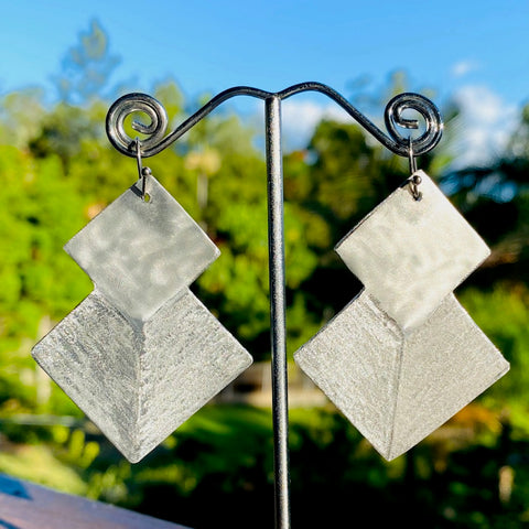 6.5cm aluminium dangle earrings. Junction 44.