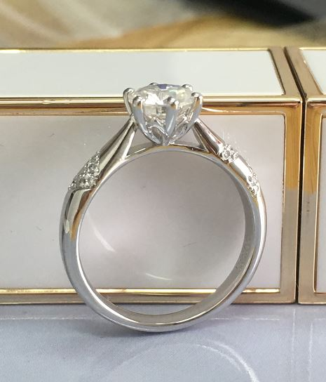 doveggs platinum plated silver 1 carat g-h-i color round moissanite ring DovEggs-Seattle