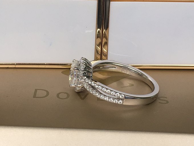 doveggs oval halo moissanite ring/lab grown diamond engagement ring