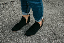 Load image into Gallery viewer, Black Hester Booties