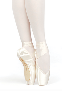 Russian Pointe - Brava V-cut (Flexible Medium)