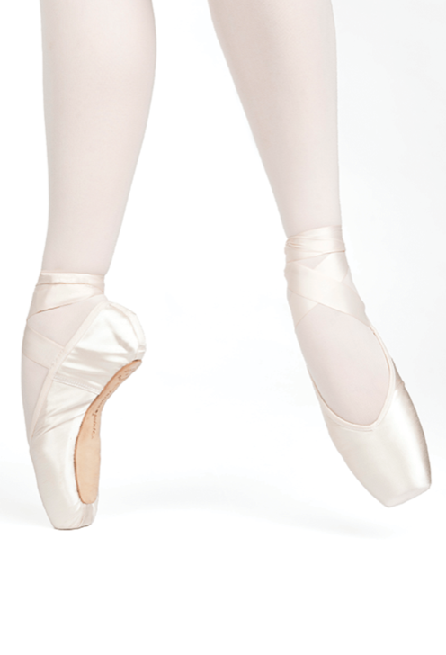 Russian Pointe - Encore V-cut (Flexible Medium)