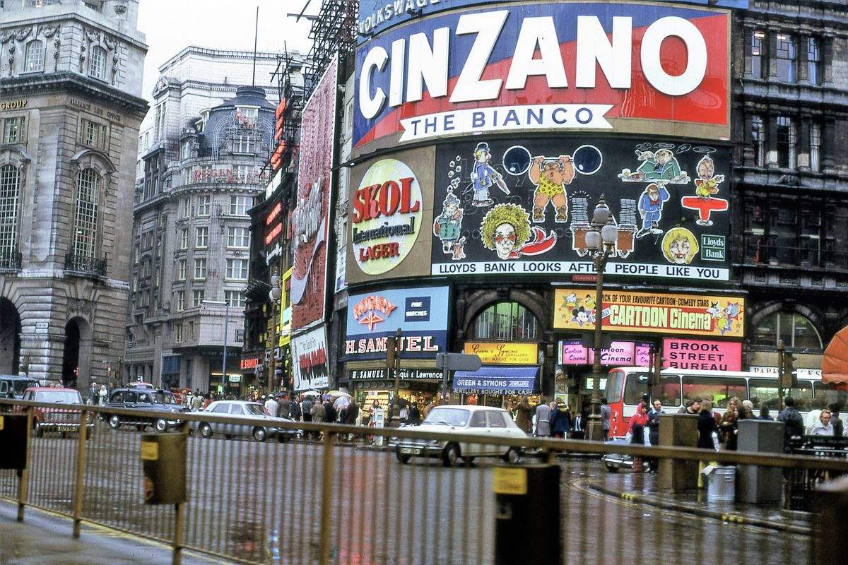 Piccadilly Circus, London - 1972
