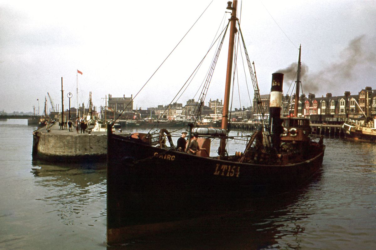 Trawler 'Cairo', Lowestoft Harbour by Hardwicke Knight - c.1955