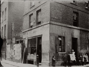 A House to Let on Chapel Street, London - by Jack London - 1902