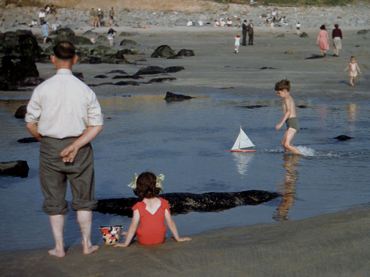 Beach in South Wales by Hardwicke Knight - c.1955