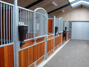 iFEED Outside Stall Installation