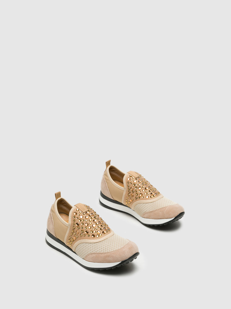 Zapatillas con Apliques en color Beige