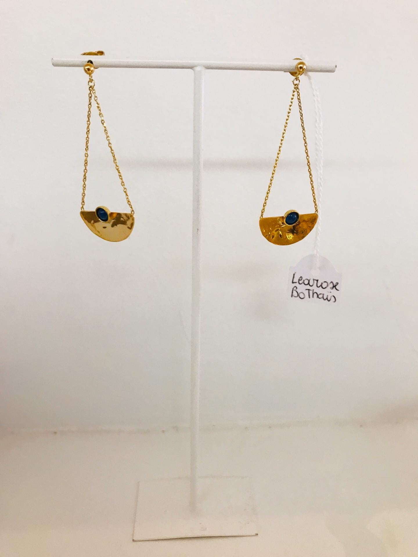 Learose - gold plated earrings with gemstone