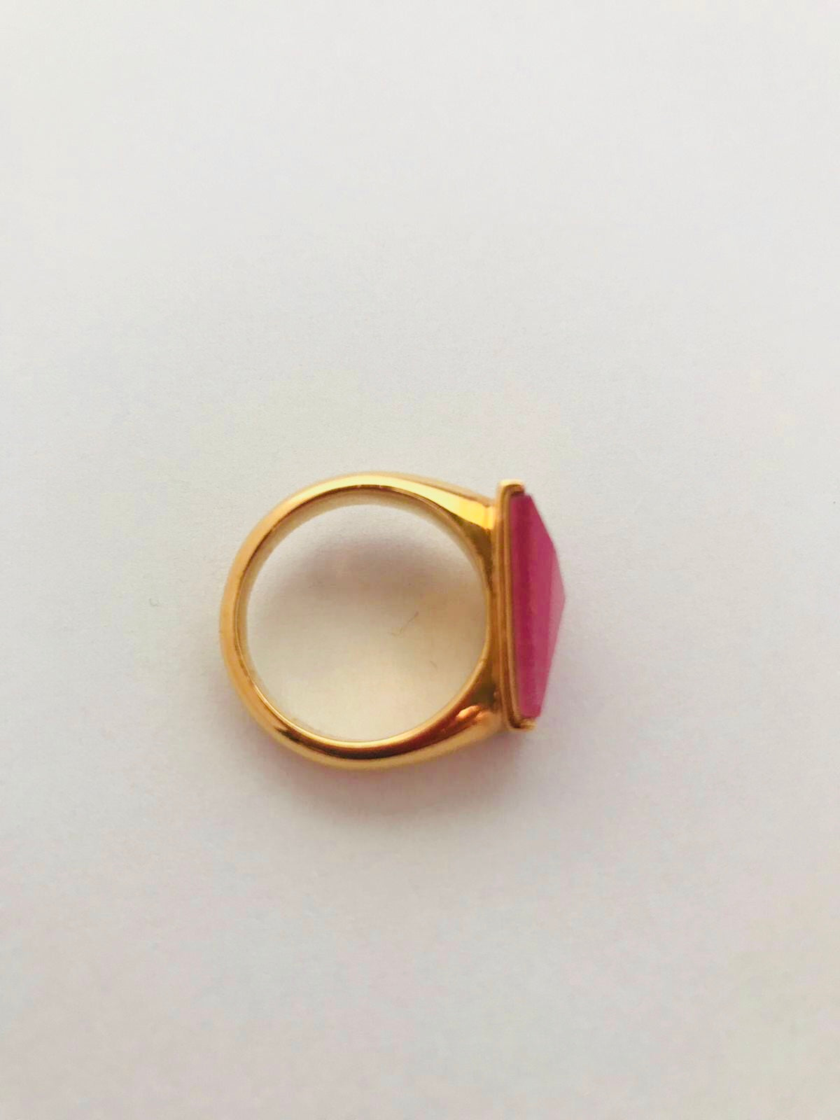 Wouters & Hendrix - goldplated ring with faceted catseye