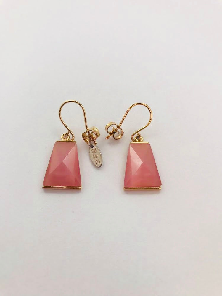 Wouters & Hendrix - goldplated earrings with rose catseye