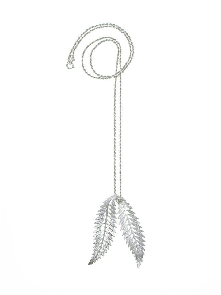 Wouters & Hendrix - long silver necklace with leaves