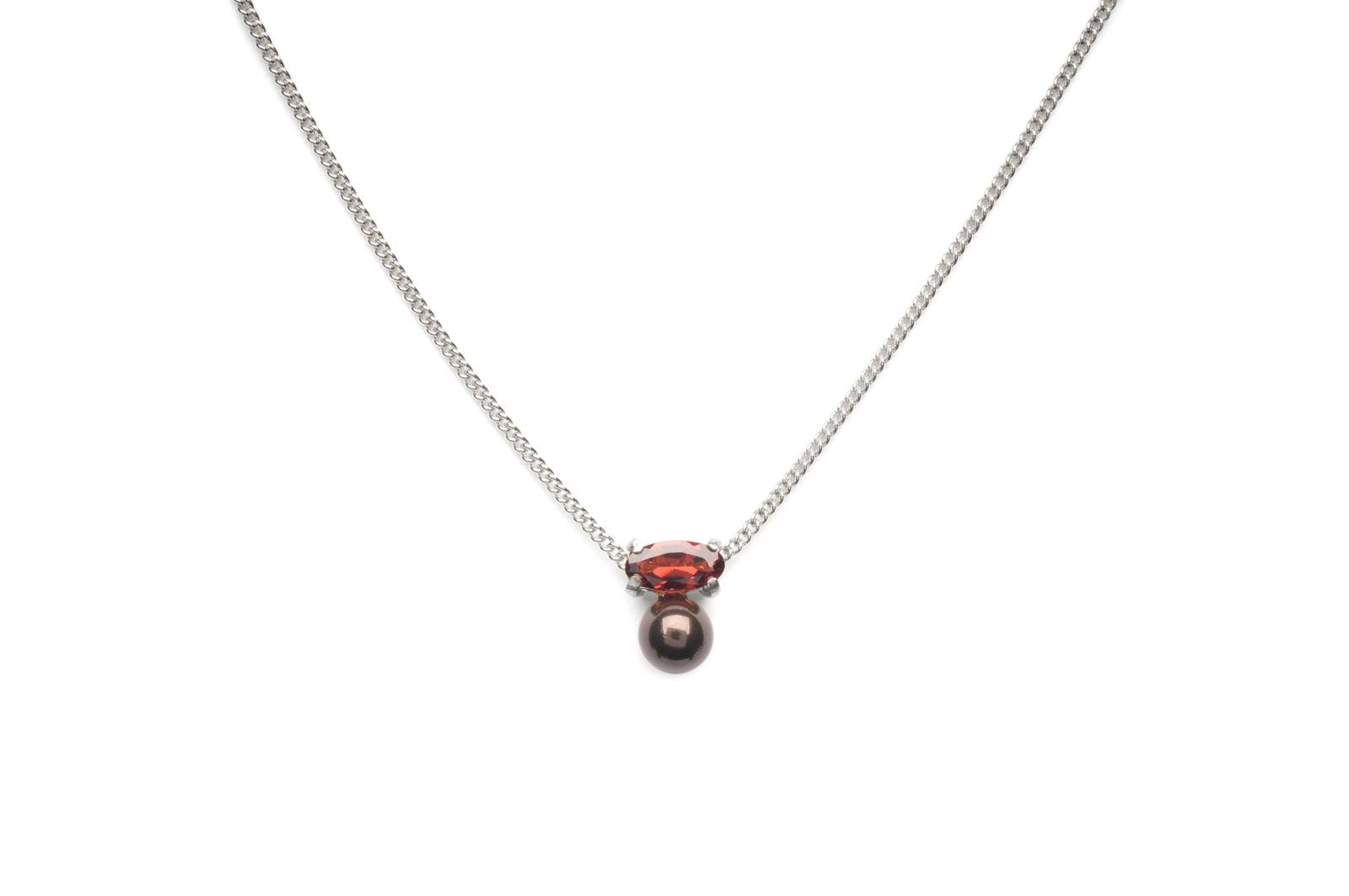 Wouters & Hendrix - necklace with granate red and grey pearl silver or gold plated silver