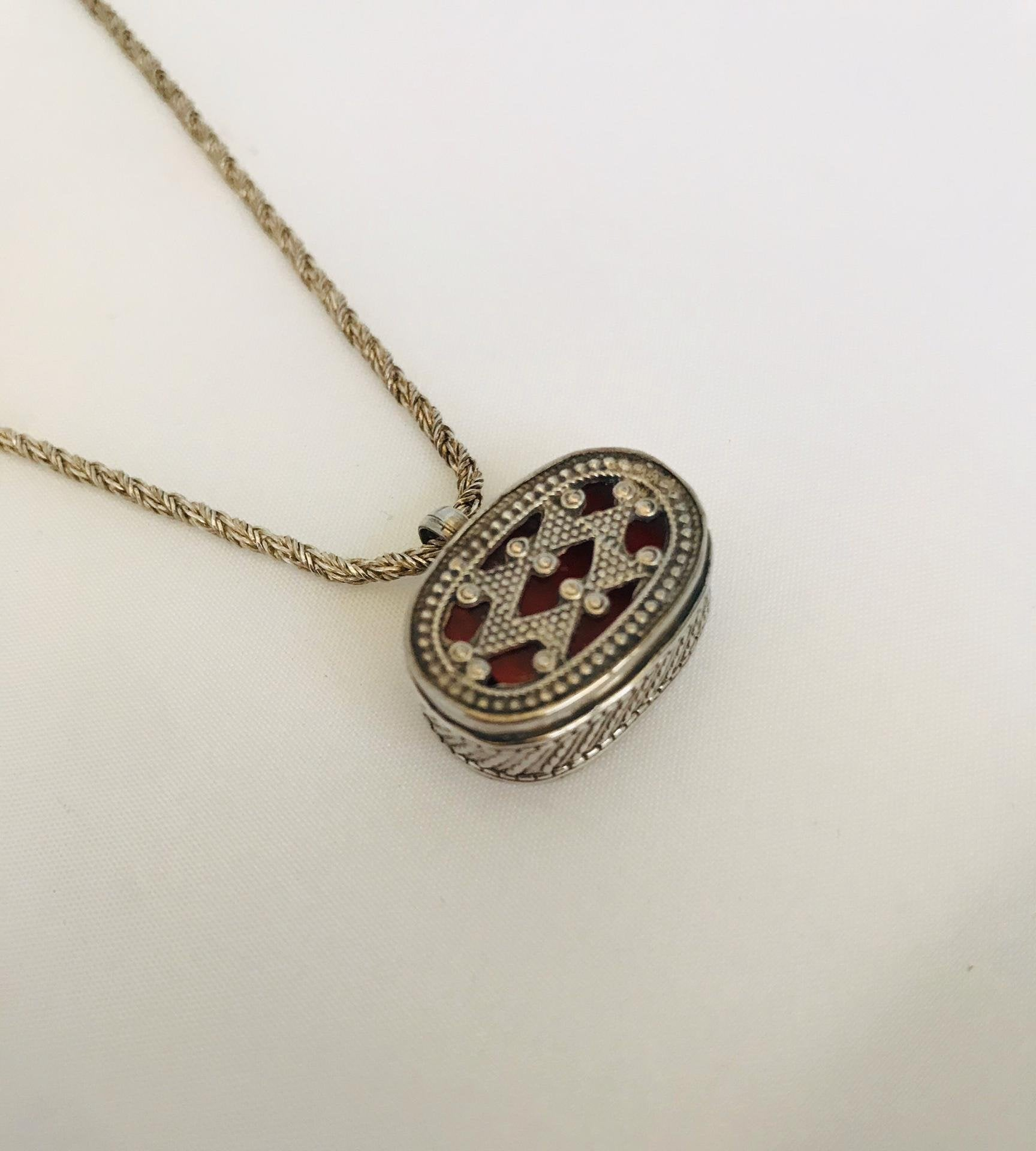 Wouters & Hendrix - silver vintage pendant necklace