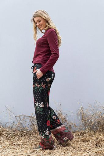 Wearable stories Avah trousers flower print