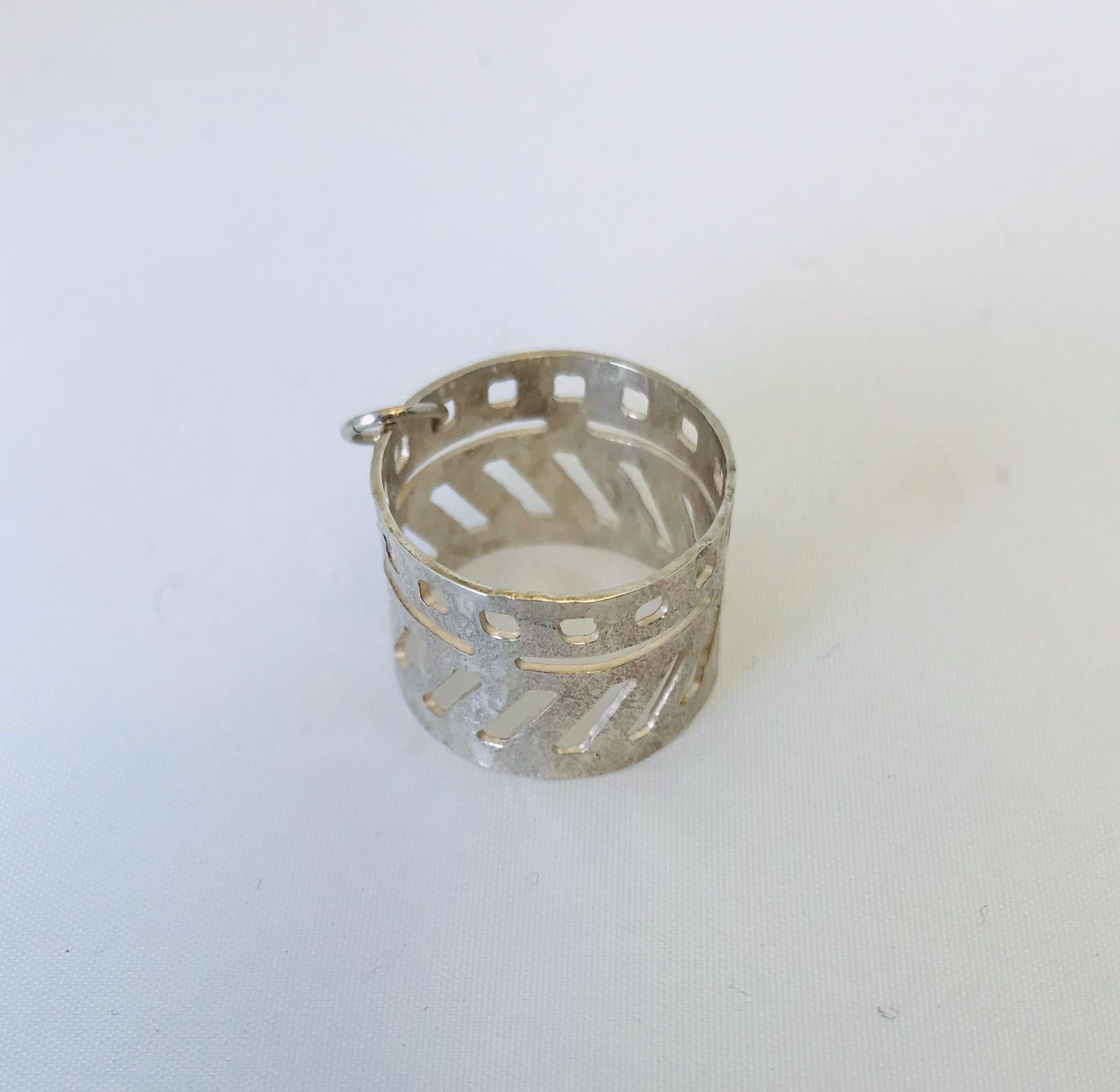 Wouters & Hendrix - silver hammered ring