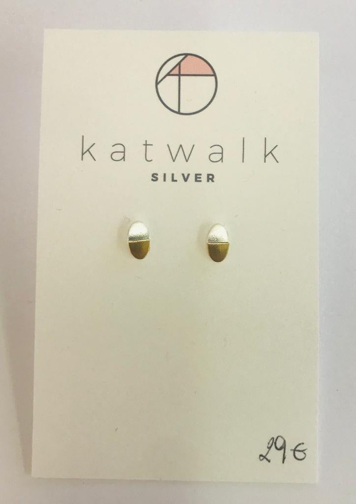 Sterling silver 925 oval stud earrings by the Belgian brand Katwalk Silver.