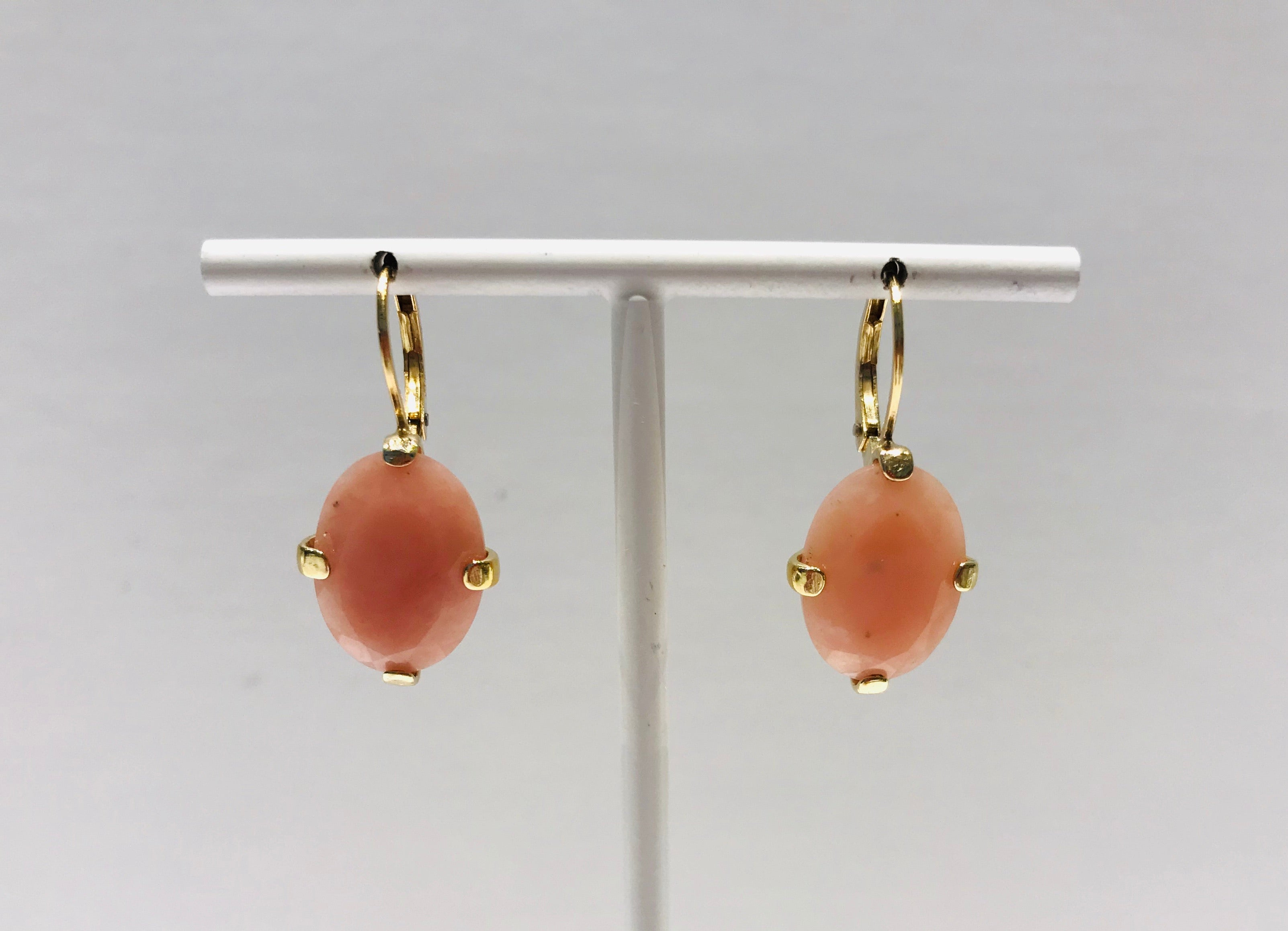 Wouters & Hendrix leverbacks earrings with pink opal