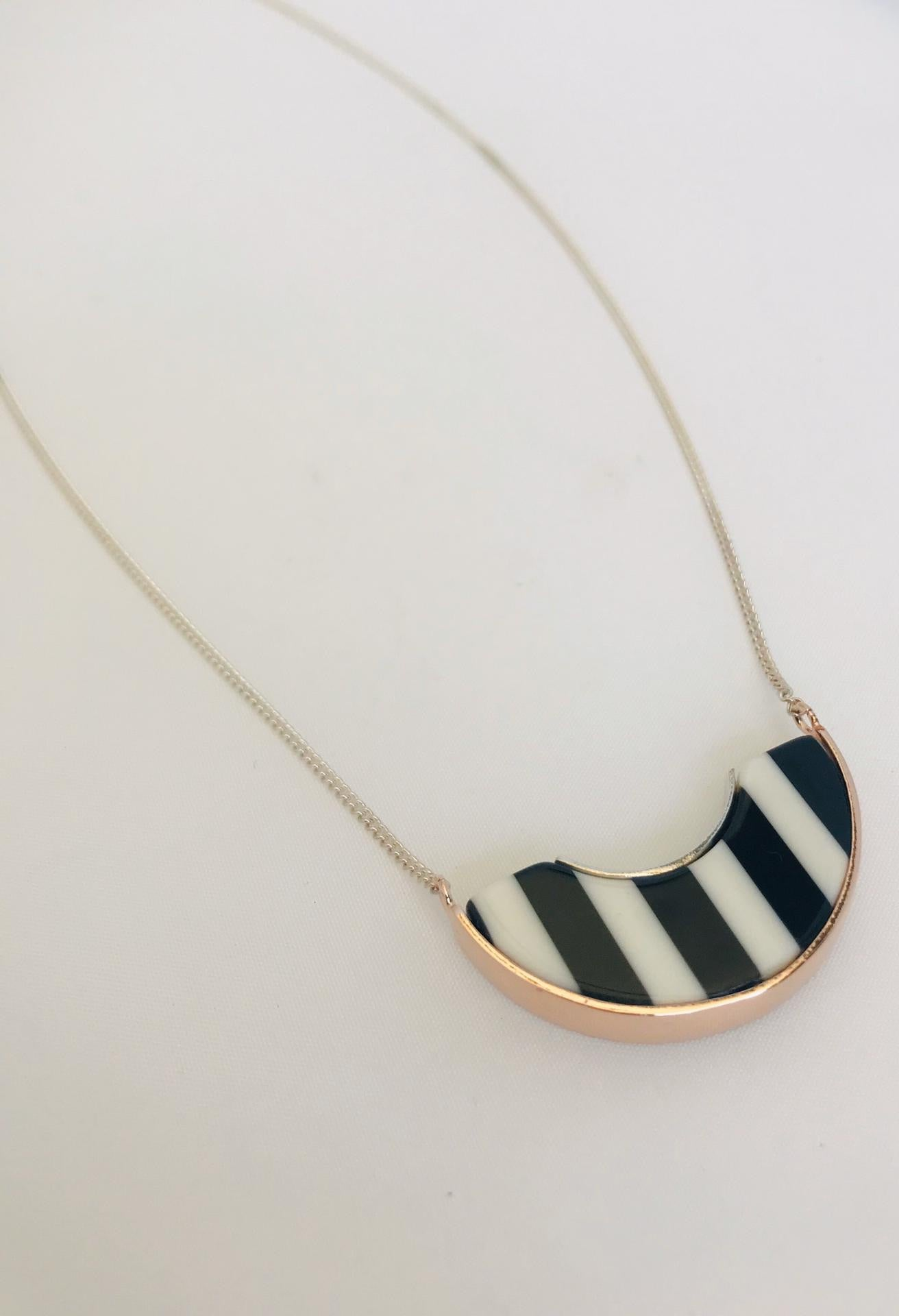 Wouters & Hendrix - silver necklace with pink and striped resin pendant