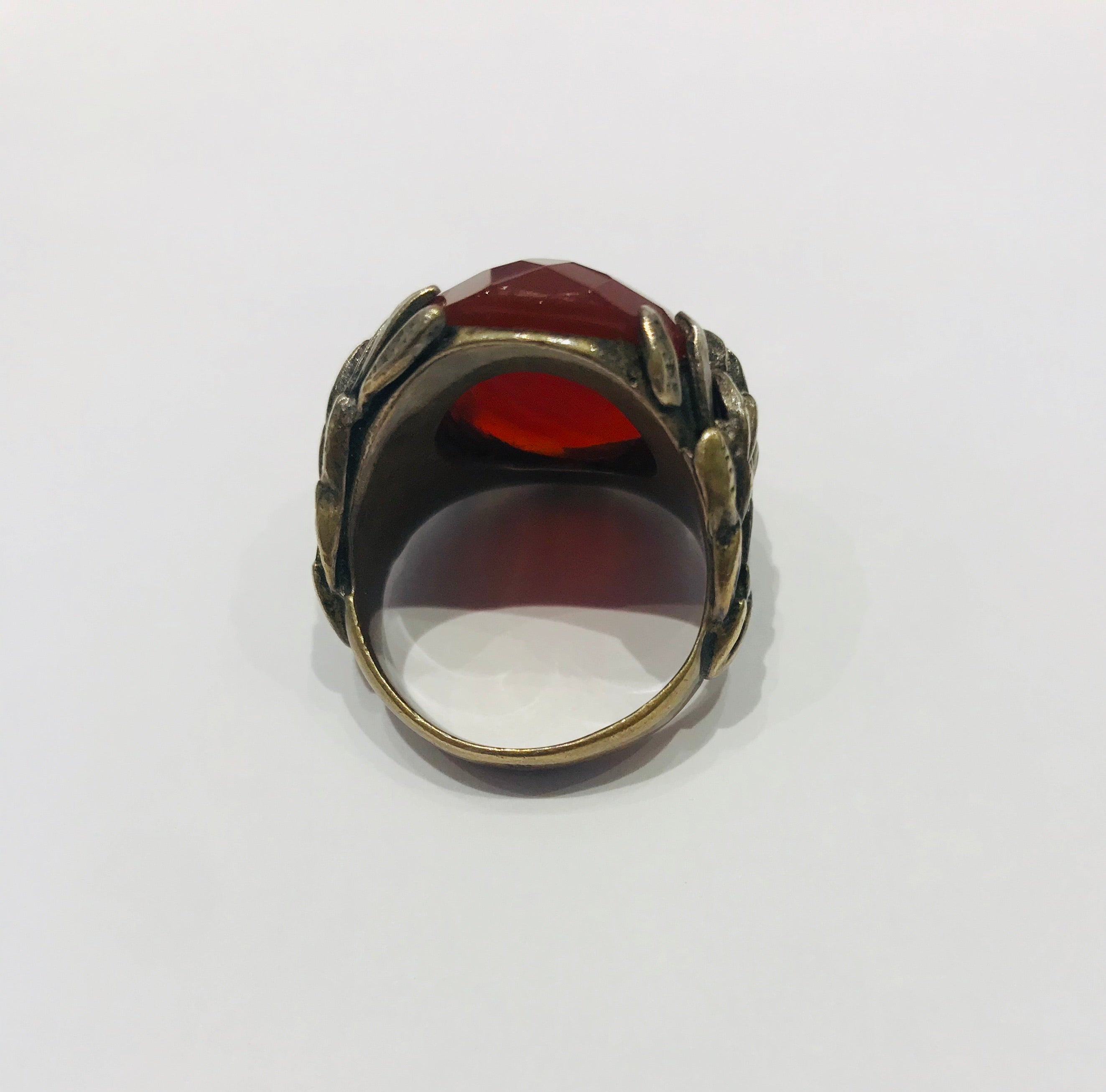 Wouters & Hendrix ring with faceted agate stone
