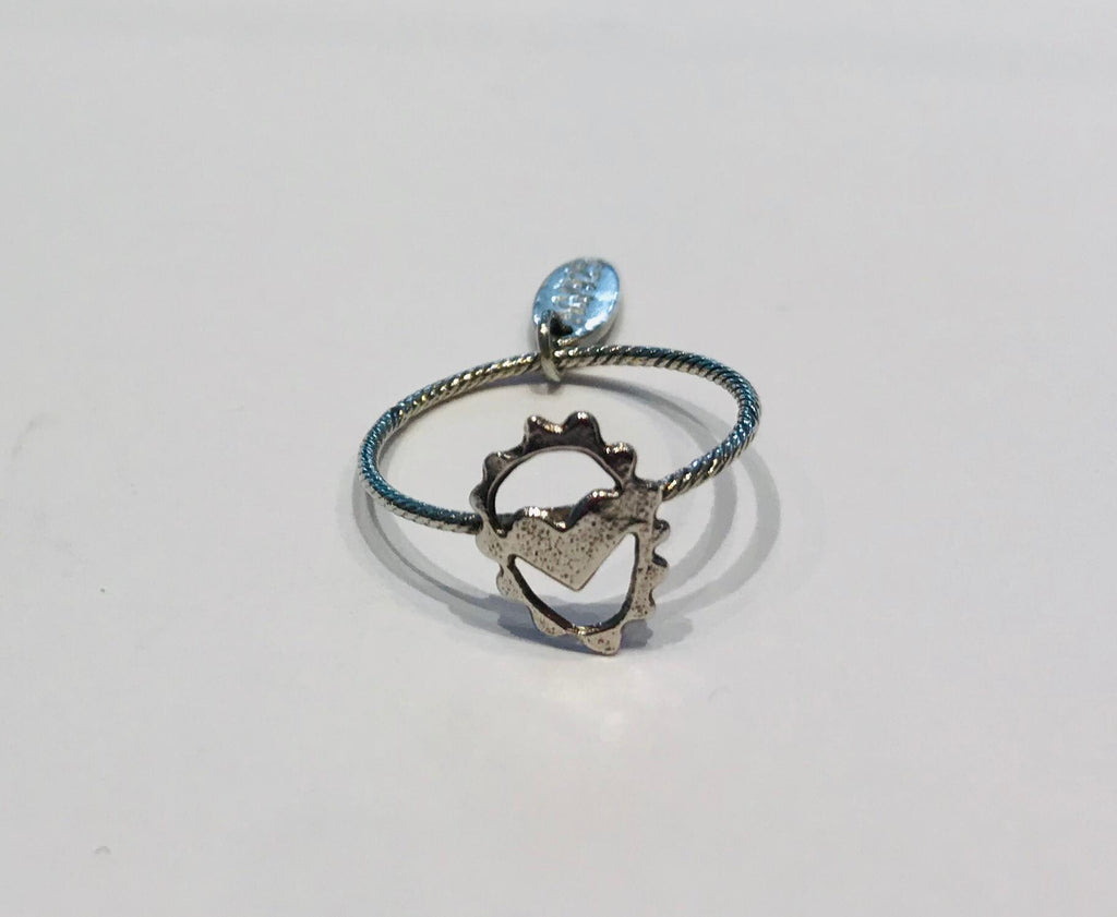 Wouters & Hendrix - fine silver ring with little heart
