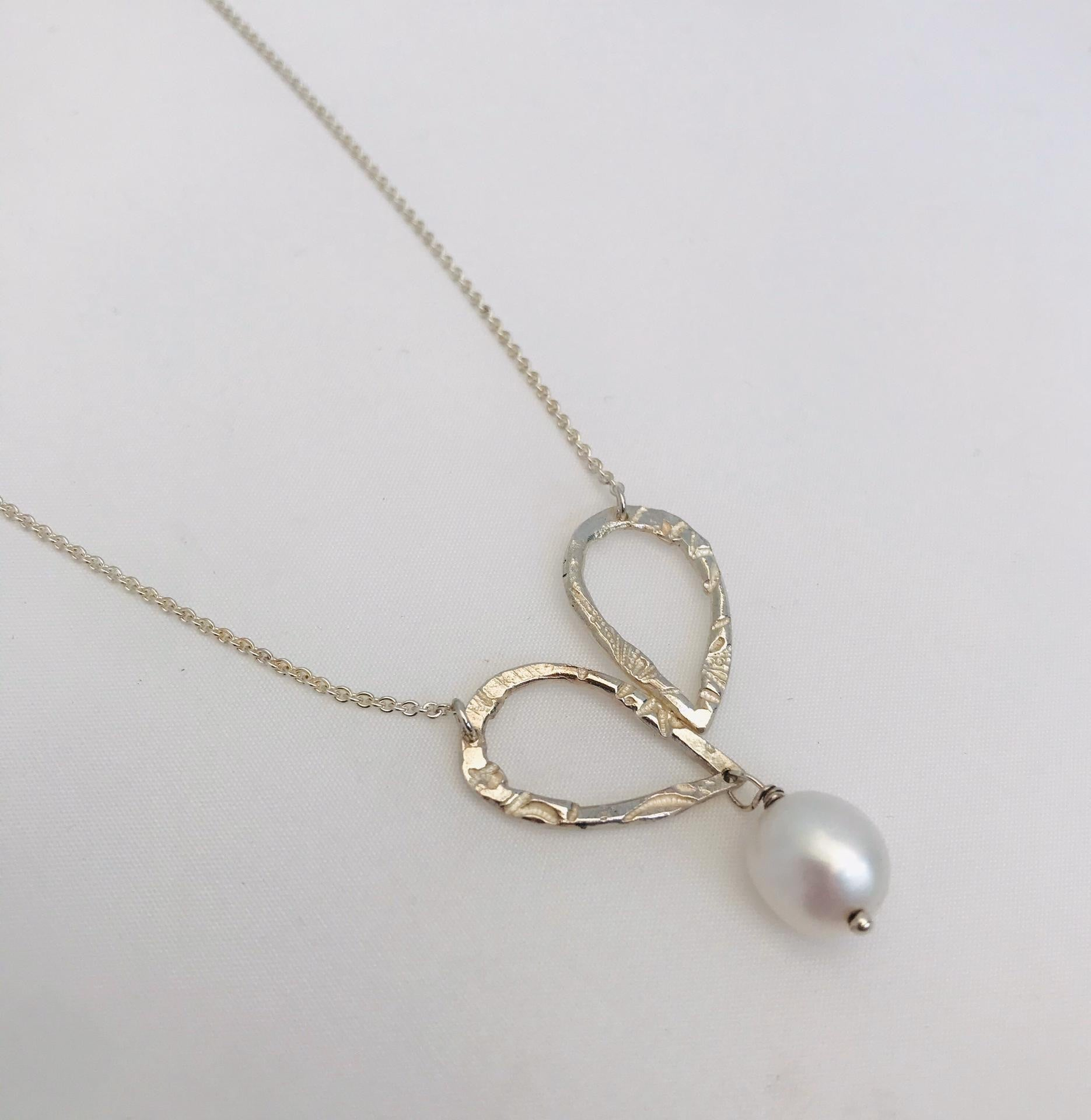 Lies Wambacq - silver freshwater pearl necklace