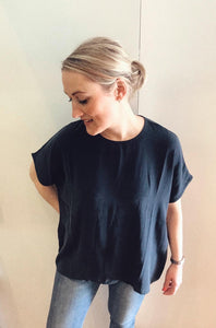 Dutchess - yasu navy loose top