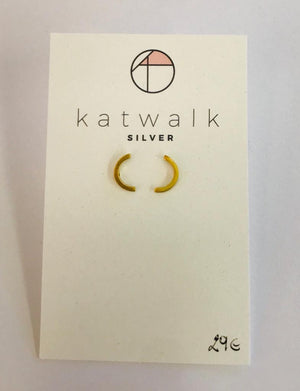 Gold plated sterling silver 925 C stud earrings by the Belgian brand Katwalk Silver.