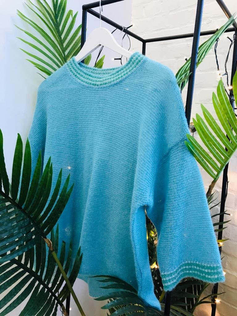 Maison Anje - colourful and cosy light blue knitwear