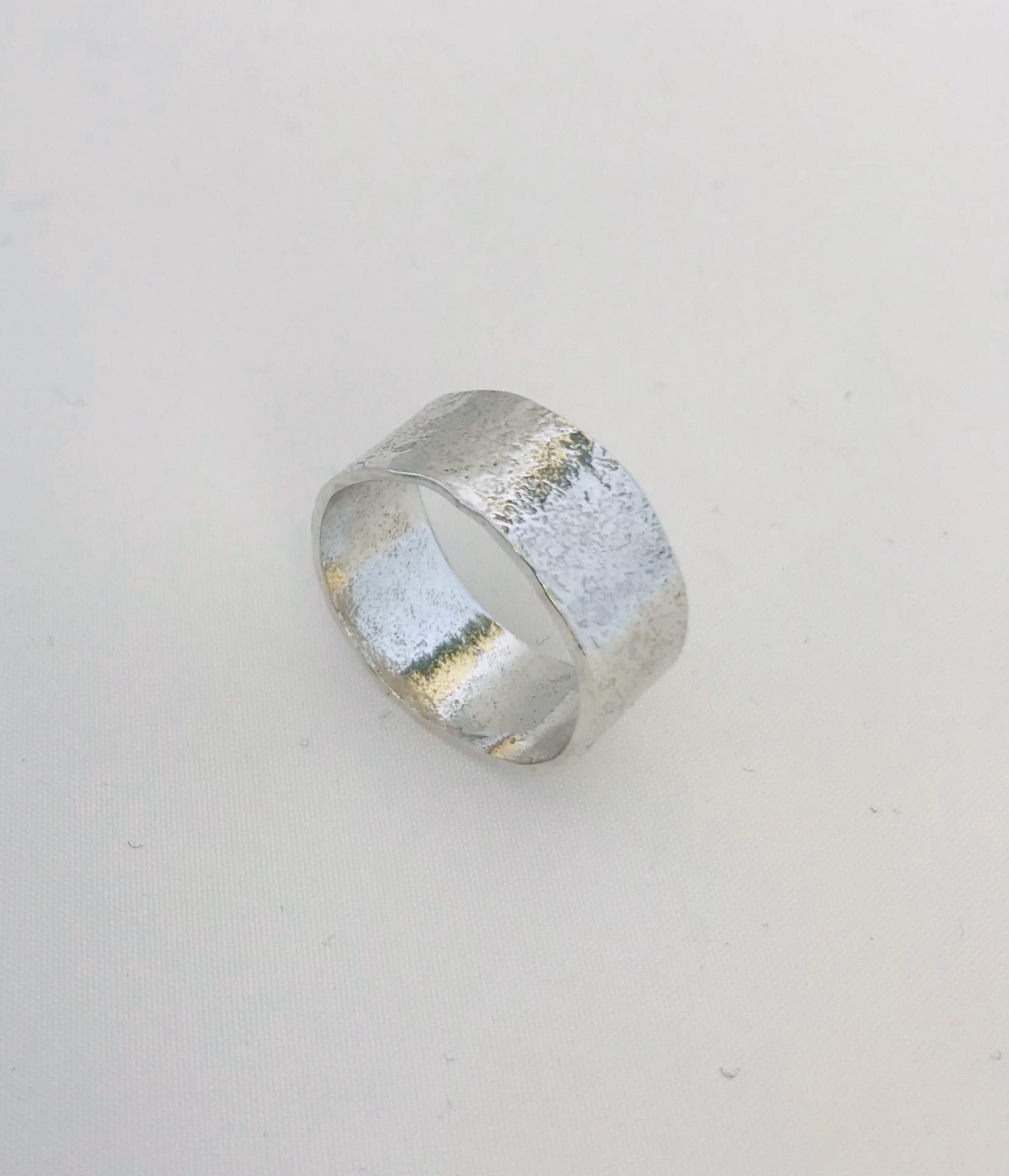 Wouters & Hendrix - hammered silver ring