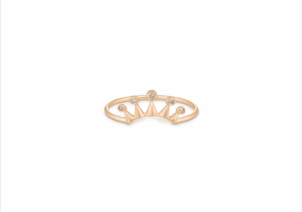 Céline Daoust diamond crown ring with 5 diamonds in yellow 14kt gold.