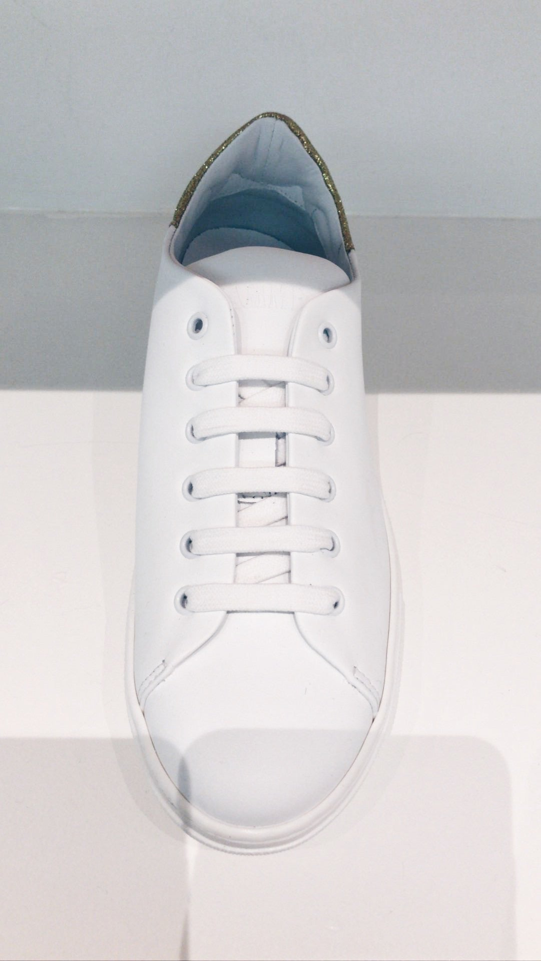 Fiamme fondo vitello sneaker white with gold glitter