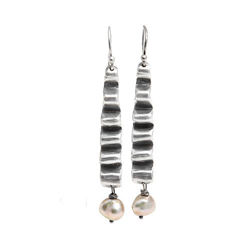ISHTAR EARRINGS IN SILVER WITH PEARLS