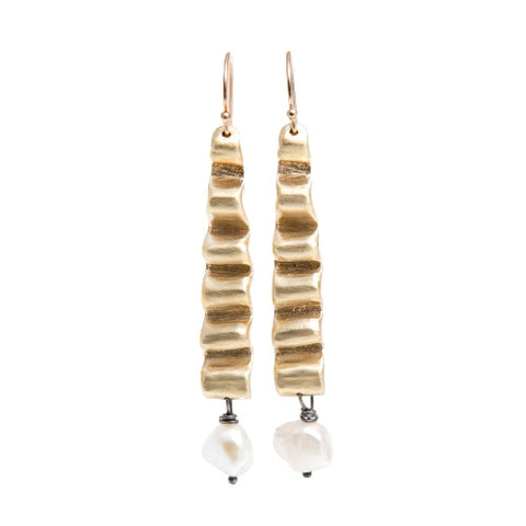 ISHTAR EARRINGS IN BRASS WITH PEARLS