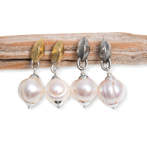 JUSTINE POST EARRINGS WITH PEARLS