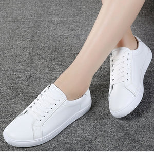 Genuine leather sneakers for casual walking