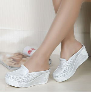 Slip-on summer slingbacks mesh style.