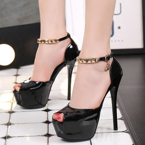 Polished platform pumps peep toe stiletto with open foot concept.