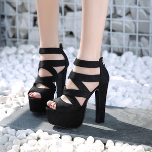 Crossed band gladiator style thick with thick square heels