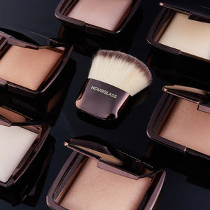 Ambient™ Lighting Finishing Powder