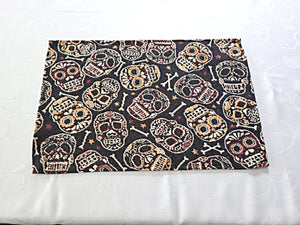 Halloween Skull and Bones Day of the Dead Tapestry Place Mats 13 in x 19 in – Set of 4