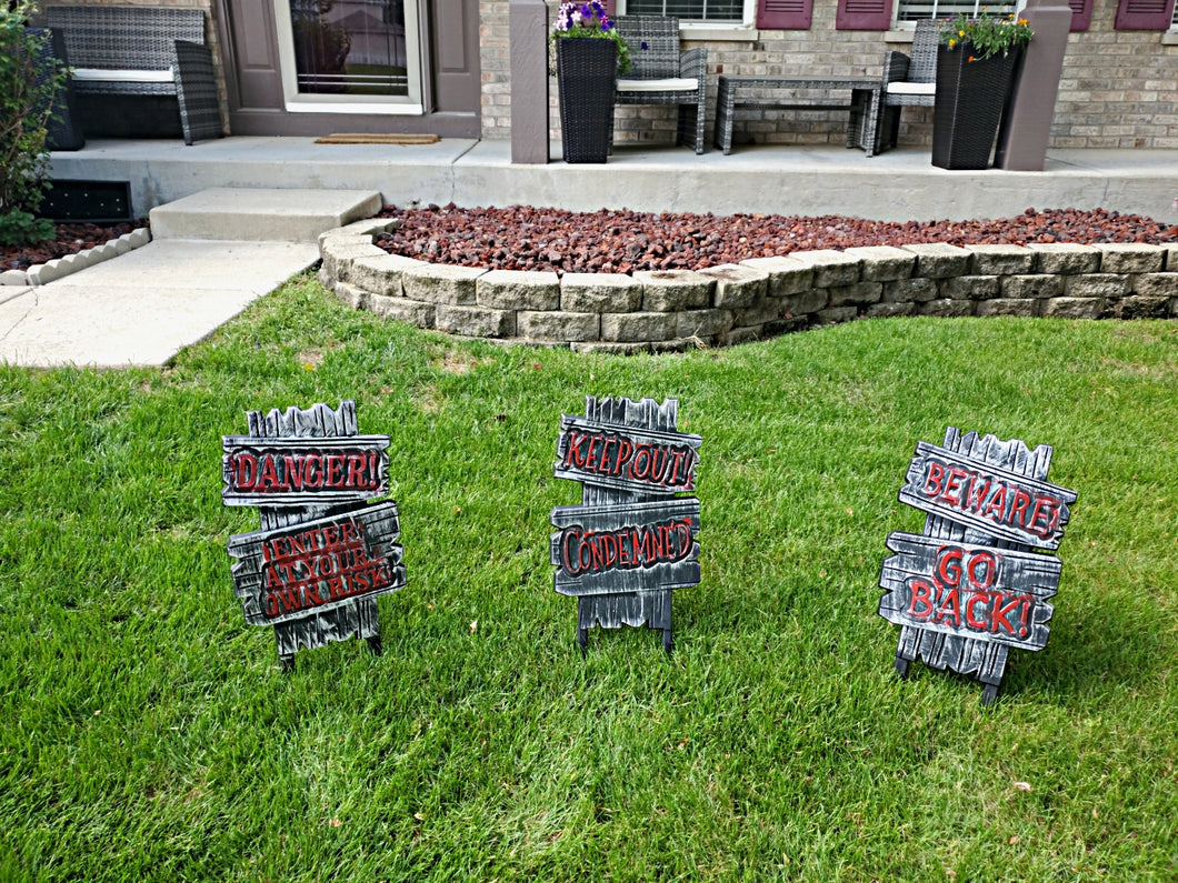 Halloween Plastic Yard Signs 3 Styles Assorted 21 x 11.5 inches