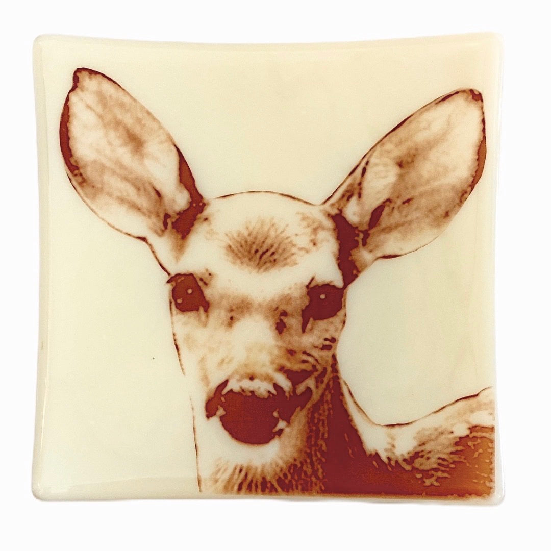 "Deer Baby Tray 7.5"" Ivory Glass"